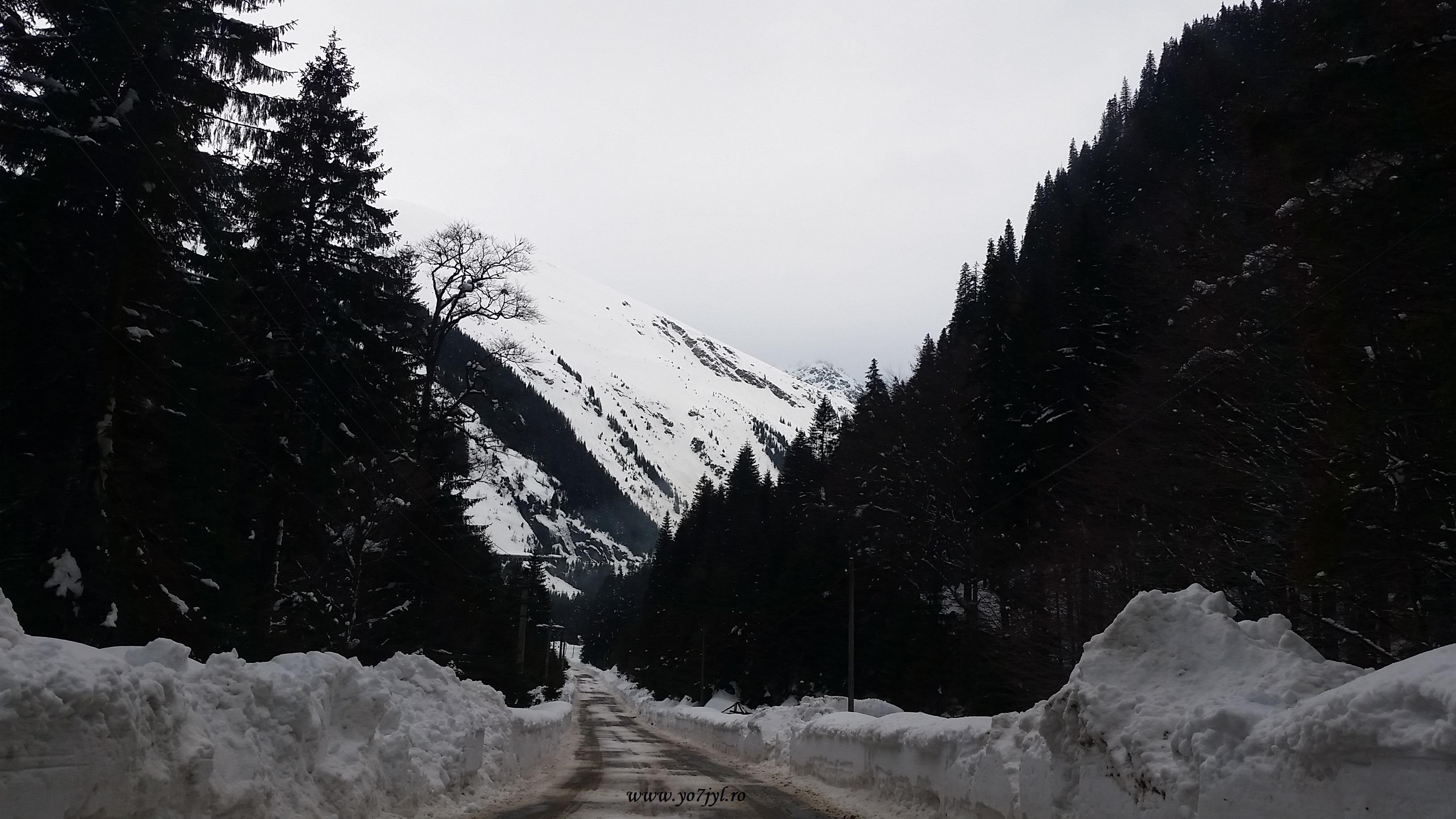 mai ales că aflasem ca dincolo de munte, la Cabana Bâlea Lac, stratul de omăt atingea deja doi metri și jumătate.